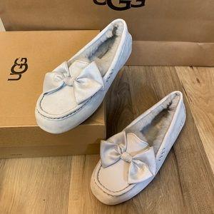 121fe47d337 UGG Shoes | Womens Dakota Slippers Size 6 | Poshmark